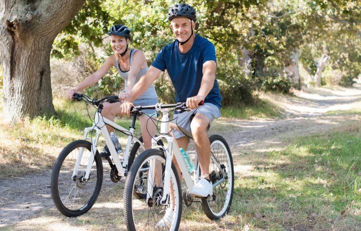 Radfahrer fahren Fahrrad