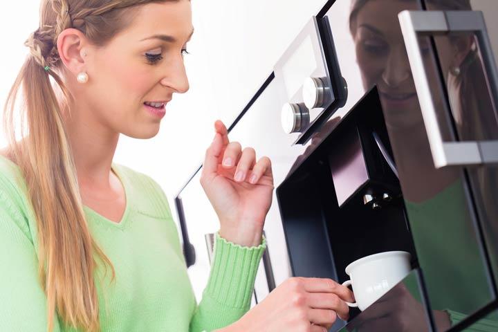 Kaffeevollautomat mit Füllstandsanzeige