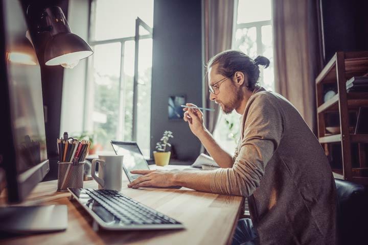 Home-Office treibt die Stromkosten in die Höhe
